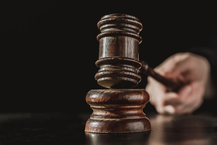 ¿Cuales ramas del derecho se dedica un abogado penalista?